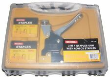 GOOD QUALITY METAL STAPLE GUN WITH 600 STAPLES IN A HANDY PLASTIC CARRY CASE