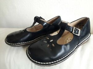 Start Rite Vintage English T-Bar Navy Blue Shoes Lasercut, Sz 10E, made England