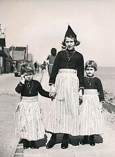 VOLENDAM c. 1950 - Enfants Costumes Traditionnels Hollande - DIV8428