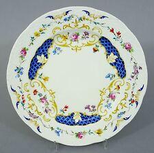 (K115) KPM Berlin Teller, Osier Relief, Blumen und blaues Schuppen Dekor, D=21cm