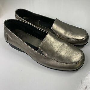 Portland Silver Comfort Shoes Flat Slip On Size US 7 - Dress / Casual - Leather