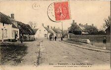 CPA Tricot - La route de Mery (259641)