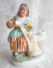 encrier ou porte plume, en céramique, femme réparant un filet de pêche, barque