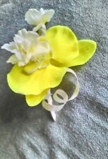 ONE NEW YELLOW ORCHID/ BLOSSOM  BUTTONHOLE+PIN.WEDDING.PARTY.GUEST.PROM.GROOM