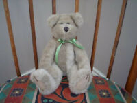 HeartFelt Collectible Jointed Bear 11 inch 1997