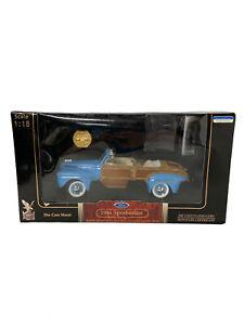 Road Signature - 1946 Ford Sportsman Convertible Blue Signature Series 1:18