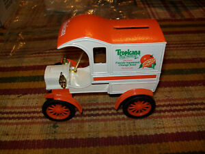 """Ertl #7637UO """"Tropicana Orange Juice"""" 1905 Delivery Car Bank 1/25 Scale"""