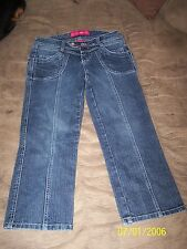 Ladies GLO Jean Capris in Great Condition, Size 0 junior all pockets look same