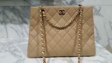 Beautiful CHANEL Vintage Hangbag- Mint condition