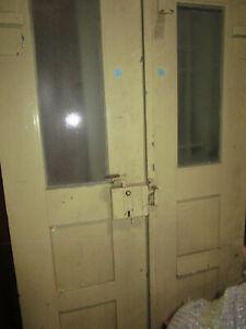 uralt Haustüre Doppeltüre Kastenschloß aus Fachwerkhaus 182 x 114 x 3,5 cm