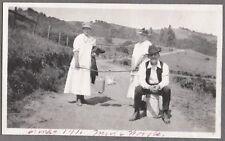 VINTAGE 1916 MUIR WOODS CALIFORNIA SAN FRANCISCO GIRLS HAT FASHION OF ERA PHOTO