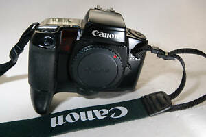 Canon EOS ELAN camera body only with hand grip