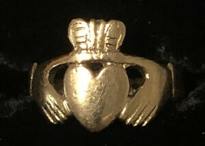 Hallarked 9ct Yellow Gold Claddagh Ring sz4.75