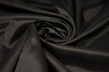 Kleiderstoffe aus Taft