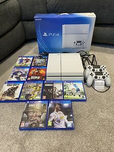 Sony PS4 White 500GB Plus Games And Controllers