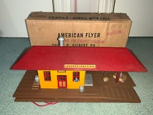 American Flyer #274 Harbor Junction Station in original box 1950s Mini Craft red