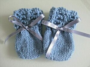 HAND KNITTED BABY MITTENS IN DENIM BLUE SIZE NEW BORN (6)
