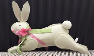 Easter/Spring Bunny/Rabbit Felt Decoration/wall Hanging