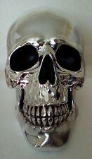 Ornamento de cráneo acabado en plata 190mm de altura