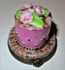 LIMOGES BOX - 2 LAYER PINK ANNIVERSARY CAKE & FLOWERS - CHOCOLATE - GIFT INSIDE