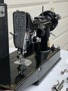 Vintage 1936 Singer 221 Featherweight Sewing Machine + Accessories & Case