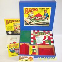A MADE UP VINTAGE 1950's BAYKO BUILDING SET 1 EXCELLENT CONDITION IN REPLICA BOX