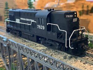 HO Scale Atlas RS-11 DC Powered Diesel Locomotive PENN CENTRAL new KATO GEARS !