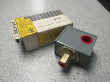 "Allen Bradley AB 830-A2210 Pressure Switch 2 Pole 1/4"" female"