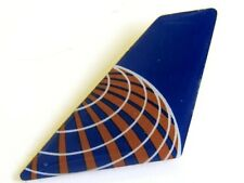 10255 CONTINENTAL AIRLINES US LOGO AIRWAYS AVIATION PLANE TAIL LAPEL PIN BADGE