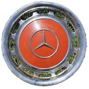 """Eine Radkappe Chrom rot 14"""" Zoll Mercedes W123 W114 W115 W116"""