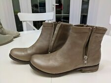 Ladies short boots size 5 - italian leather