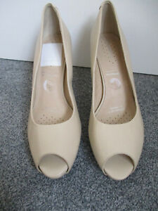 gorgeous Adidas cushioning Rockport cream leather ladies shoes - UK7/EU41 - new