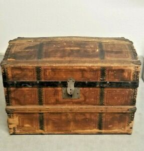 1800's? Antique  Doll Clothes Trunk / Chest Of Wood & Paper With Insert Draw