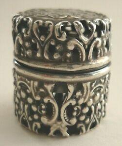 Art Nouveau C1900 Sterling Silver Pierced Repousse Thimble Holder