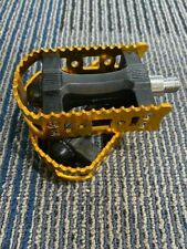 * NOS VINTAGE OLD SCHOOL NYLON PEDALS W/REMOVE  ALLOY CAGE CHROME MOLY SHAFT 1/2