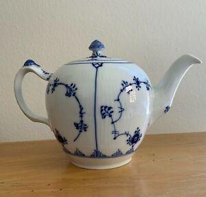 Royal Copenhagen Blue Fluted Plain Small Teapot 258 excellent cond. 1stQ 1969-74