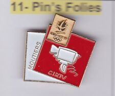 Pin's Folies Badge Albertville Olympic winter games 1992 Moutiers TV media