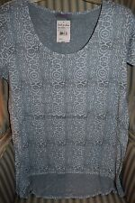 "NWT FRESH PRODUCE ""GEO WAVE"" LUNA STYLE TEE..FLATTERING STYLE ON MISTY BLUE.(XL)"