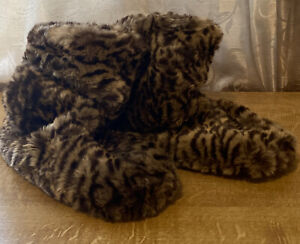Clarks Warm Hearted Faux Fur Slipper Booties Animal Print ~ Size 5