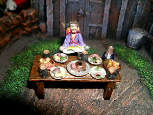D&D Mini -  LEVITATING WIZARD AT DINNER TABLE  (AWESOME SET and PRO PAINTED!!)