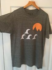 New listing HURLEY Men's Graphic T Shirt Size Medium Heather Gray W/ Waves Sun Mountains