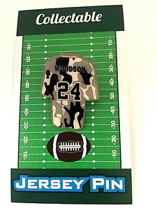Oakland Raiders Charles Woodson jersey lapel pin-Collectible-aka..POOCHIE