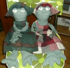 Americana Sister Frogs Handmade Plush Characters Sunbonnets with Plaid dresses
