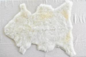 100% Genuine SHEEPSKIN Soft Fur Rug Ivory White, Approx. Size 22 x 30 in