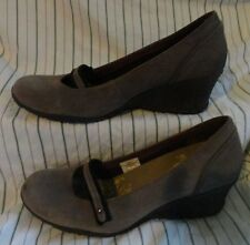 9.5 Ladies Womens MERRELL Petunia Gray Leather Suede Mary Janes Shoes Wedge