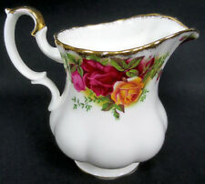 1 OLD COUNTRY ROSES MILK JUG, GOOD CONDITION, ENGLAND, 1962-2002, ROYAL ALBERT