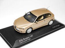 Alfa Romeo 147 in Luci di Amalfi Grigio beige metallic, Minichamps in 1:43!