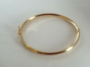 Lovely 9ct Gold Bangle Hallmarked 5.2 Grams Not Scrap