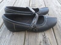 Clarks Bendables Mary Jane $69 Women's Slip On Loafers Shoes Size Black sz 8.5