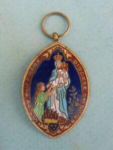 Ancienne médaille émaillée Notre Dame du suffrage Diocèse de Nîmes